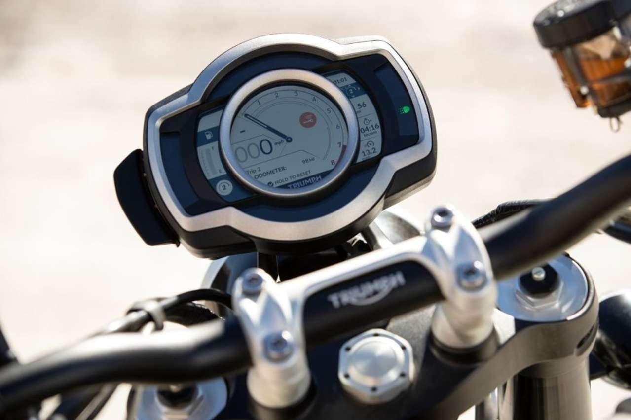TFT-Display der zweiten Generation, auch zur Steuerung von GoPro und Turn-by-Turn-Navi.