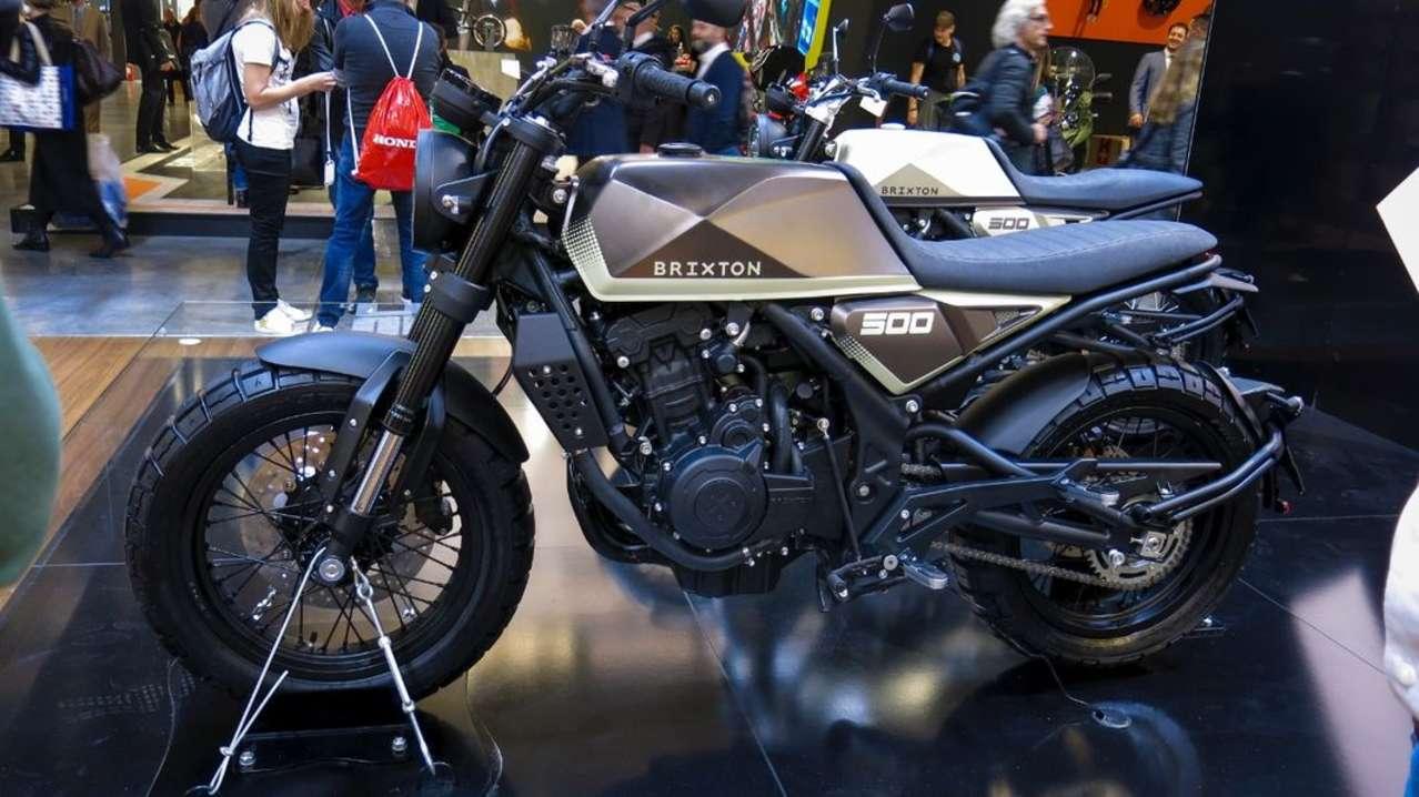 Auf der Bühne standen als Premiere zwei Versionen einer neuen 500er. Die 48-PS-Bikes gelten noch als Studie, sollen aber im Lauf des Jahres 2019 ebenfalls serienreif sein.
