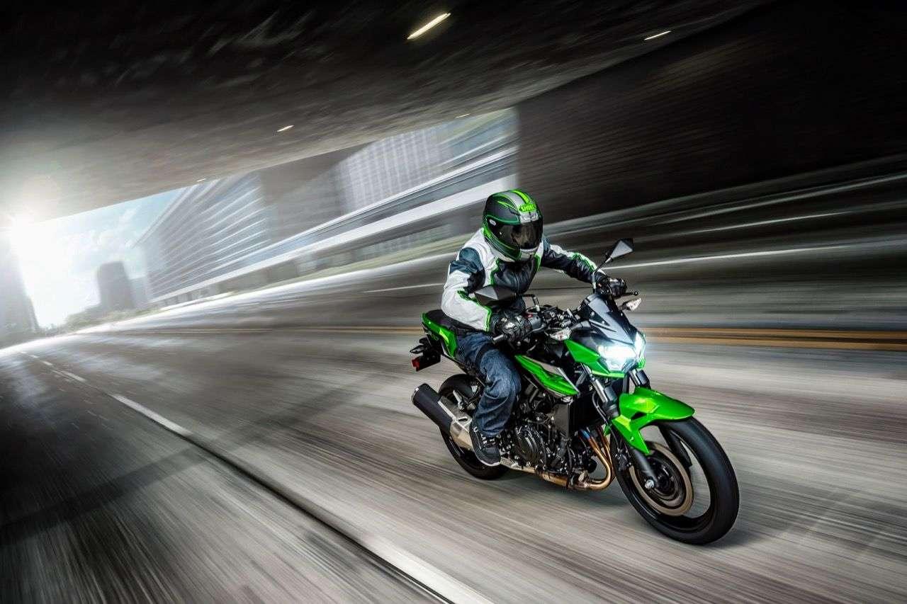 Kawasaki Z400: Ein neuer Star in der Naked Bike Einstiegsklasse?