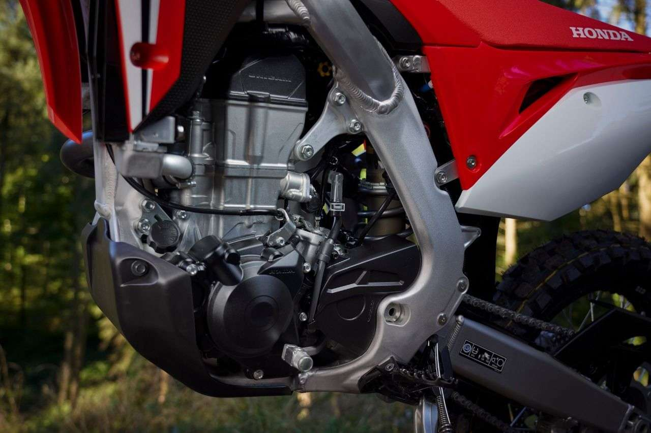 449 Kubik Viertakt-Einzylinder mit 25 PS