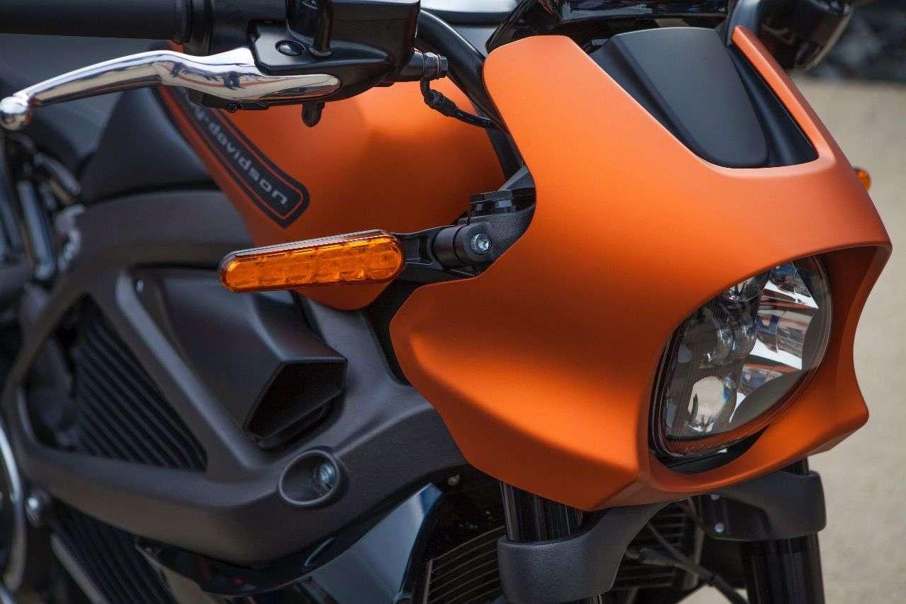 Harley-Davidson LiveWire in der endgültigen Form: So soll sie ab Mitte 2019 bei ausgewählten Händlern stehen.