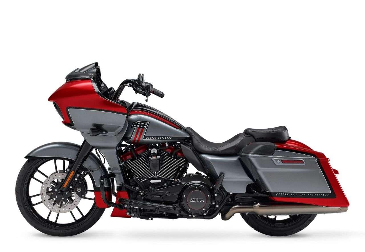 Harley-Davidson Road Glide CVO 2019.
