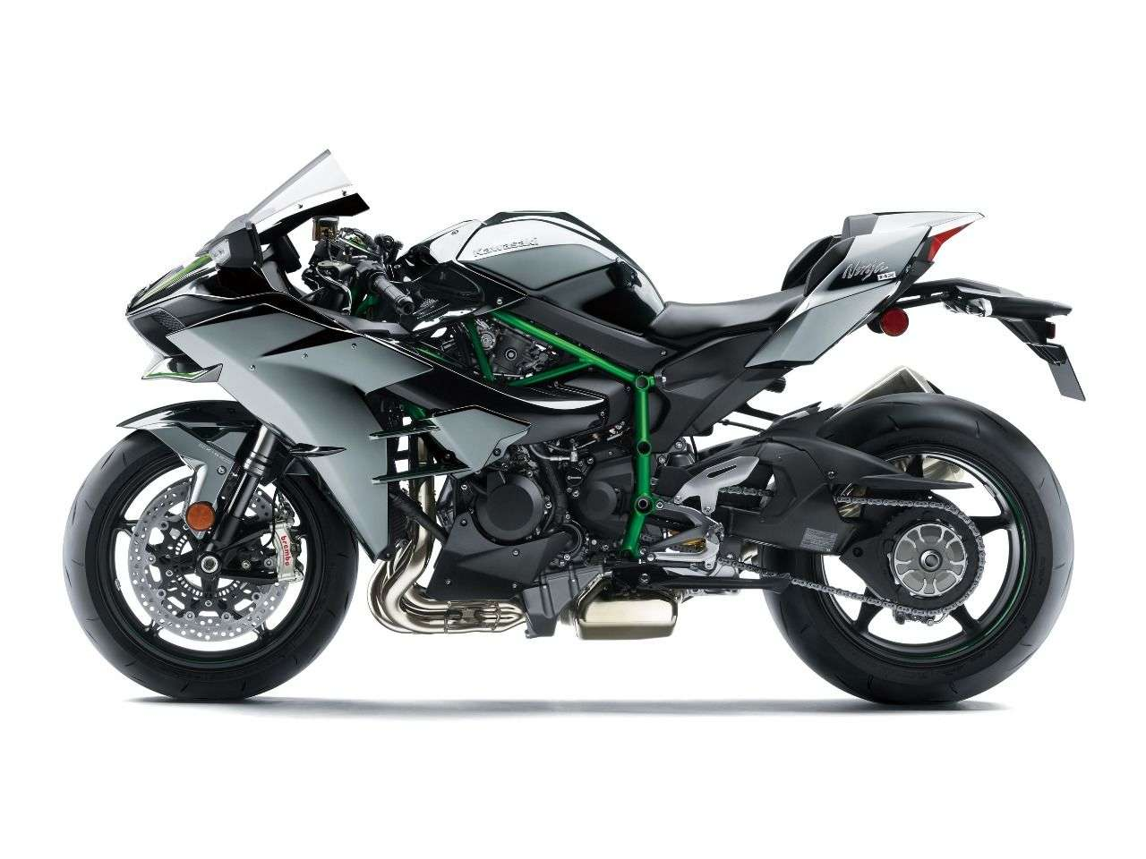 Extrem in allen Belangen. Kawasaki kennt bei der H2 kein Zurück und macht sie noch stärker - und schneller.