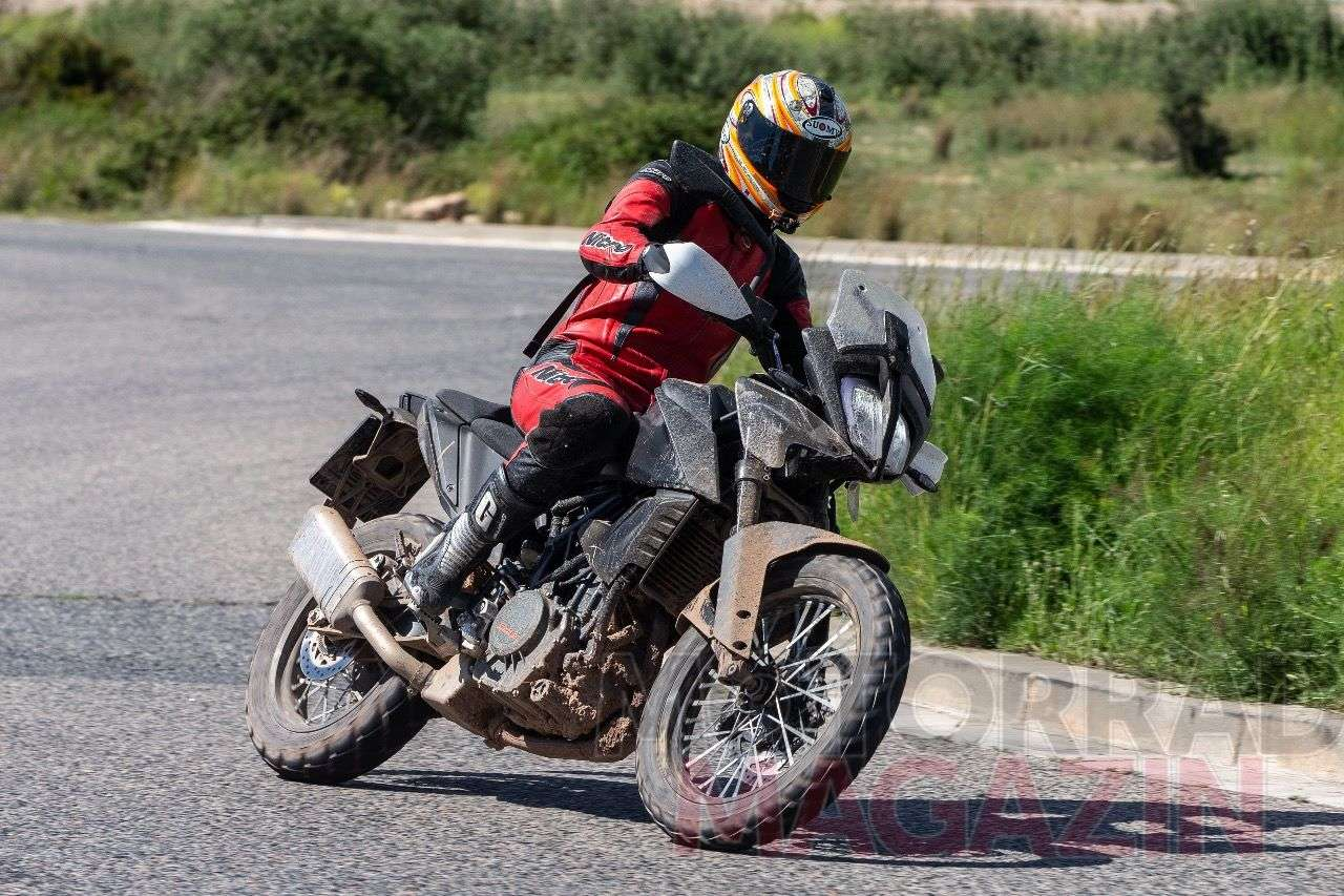 KTM 390 Adventure – der Prototyp scheint schon nah an der Serie und fast fertig für 2019 zu sein. Alle Fotos © bmh-images