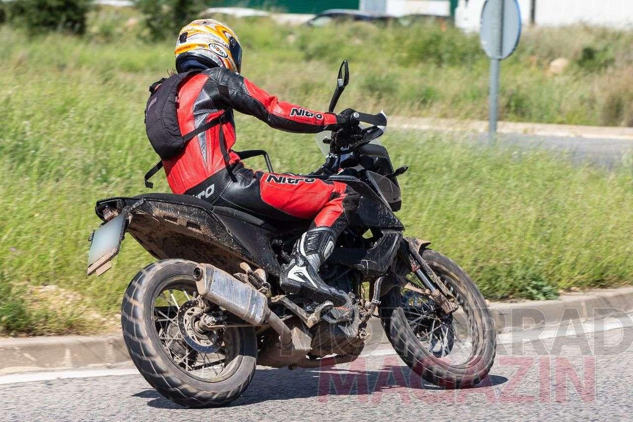 KTM 390 Adventure 2019: Das Hecklicht – aktuell baugleich mit jenem der Husqvarna Supermoto 701 – könnte sich noch ändern.