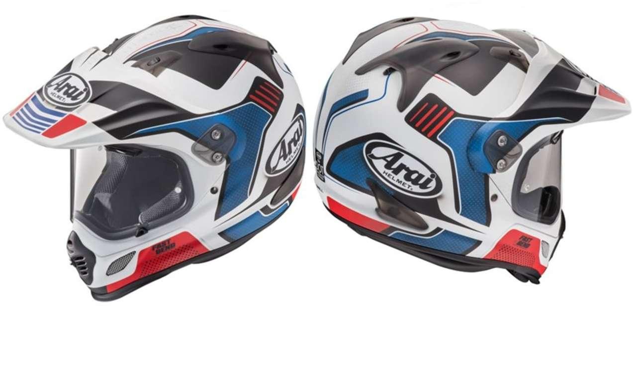 Arai Tour X4 Vision Red: Für Fahrer von Africa Twin und BMW GS Rallye perfekt, für alle anderen passend. Nur grün sollte das Motorrad nicht sein.