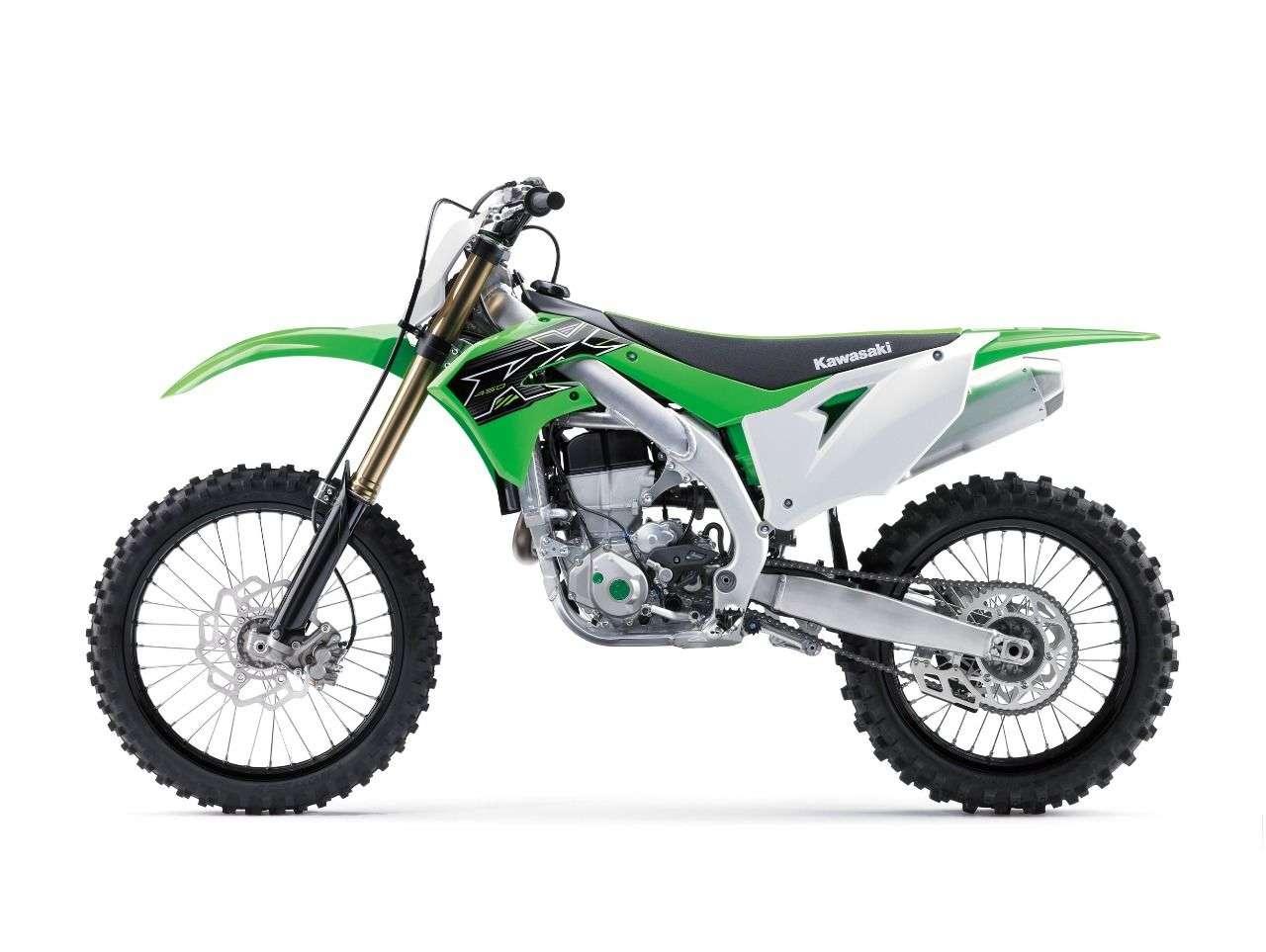 Neu bei der Kawasaki KX450 2019: E-Starter, eine hydraulische Kupplung und eine 49 mm-Upside-Down-Gabel mit mechanischer Feder von Showa.
