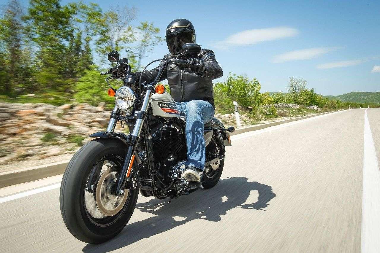 Bullige Front, hoher Lenker: Die Harley Forty-Eight Special repräsentiert eine neue Geschmacksrichtung des Bestseller-Bobbers.