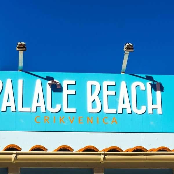Ein paar Fußminuten entfernt gibt's auch noch den hauseigenen Strand.