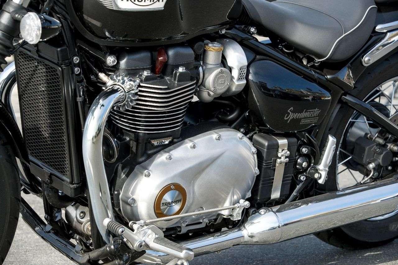 Die Bonneville T120 ist der Motor-Organspender. Für die Speedmaster drehmomentorientiert abgestimmt.