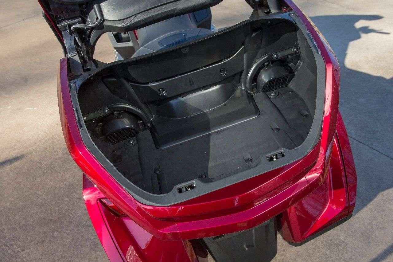 Honda GL1800 Gold Wing des Modelljahrs 2018: Das Topase wurde deutlich kleiner, ...