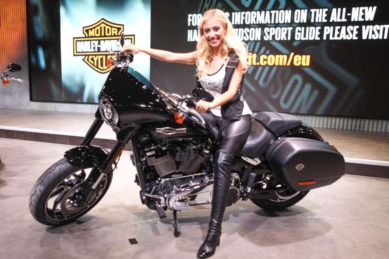 Harley-Davidson Sport Glide: Das nächste neue Softail-Modell. Koffer und Scheinwerferverkleidung sind mit wenigen Handgriffen demontierbar.