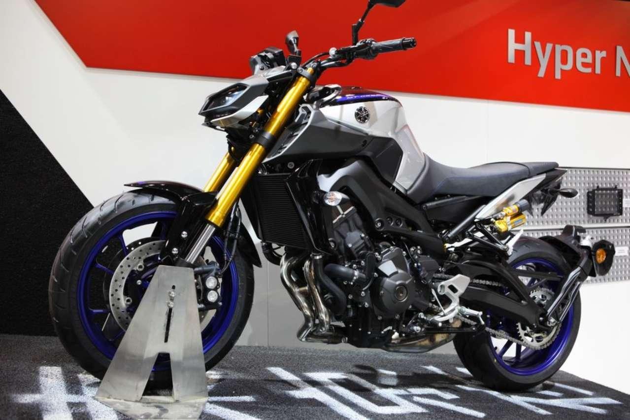 Yamaha MT-09SP: Angreifer mit Öhlins-Federbein und Gabel-Upgrade.