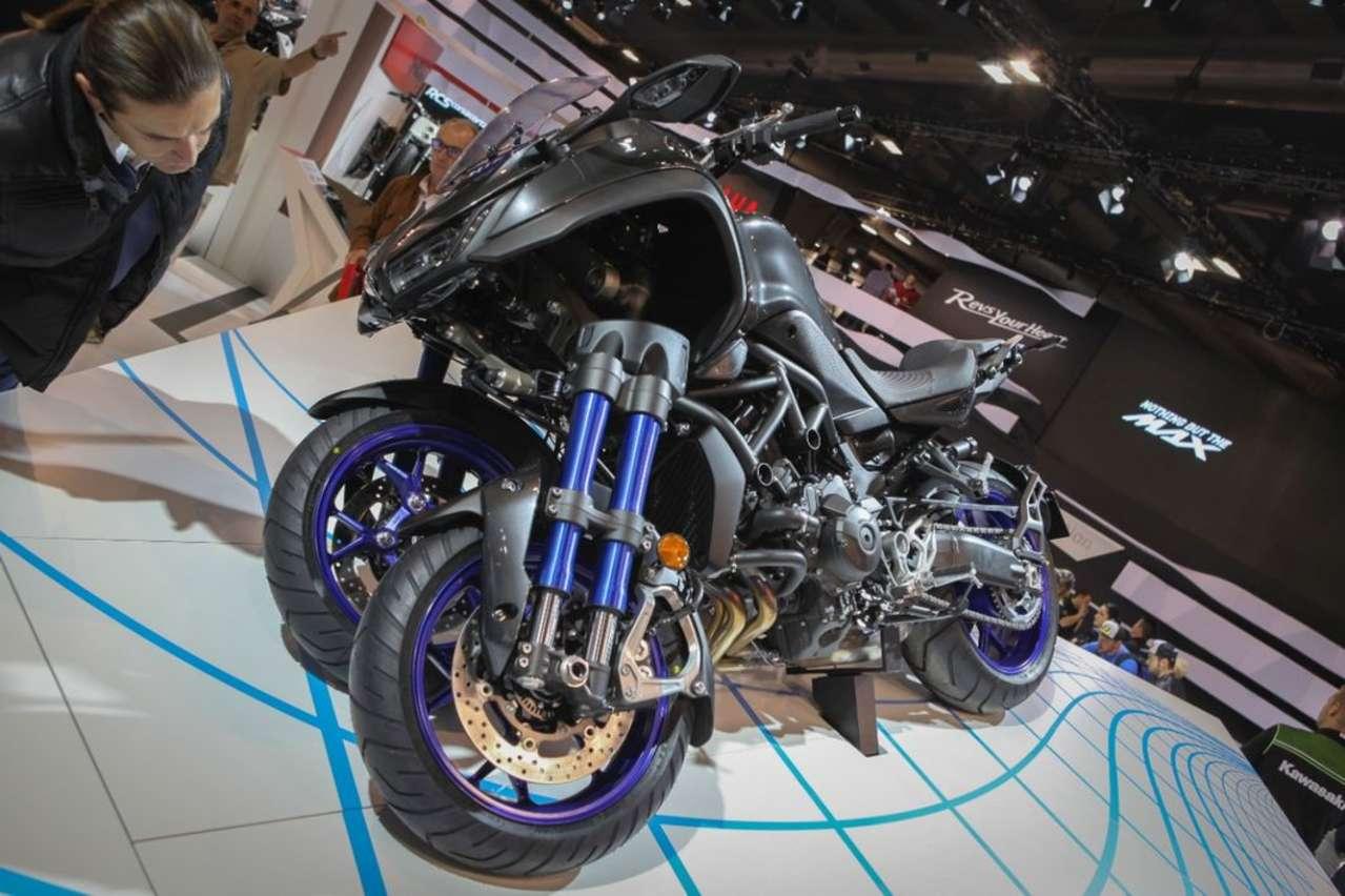 Yamaha Niken: Spektakuläres Dreirad mit Motor der MT-09. Lieferbar in der zweiten Jahreshälfte 2018.