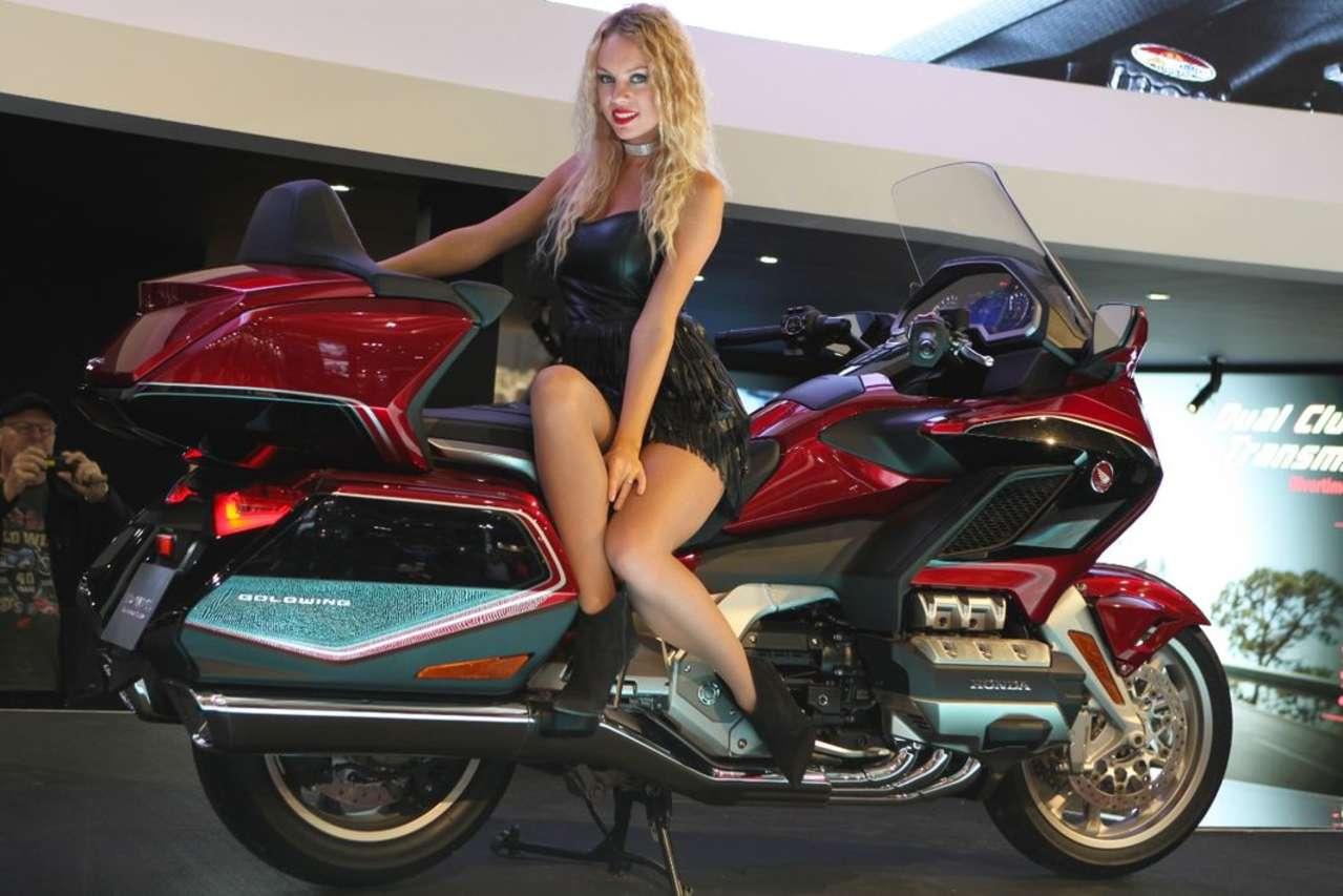 Honda Gold Wing: Schon in Tokio präsentiert feiert sie in Mailand Europapremiere. Was für ein Schiff!