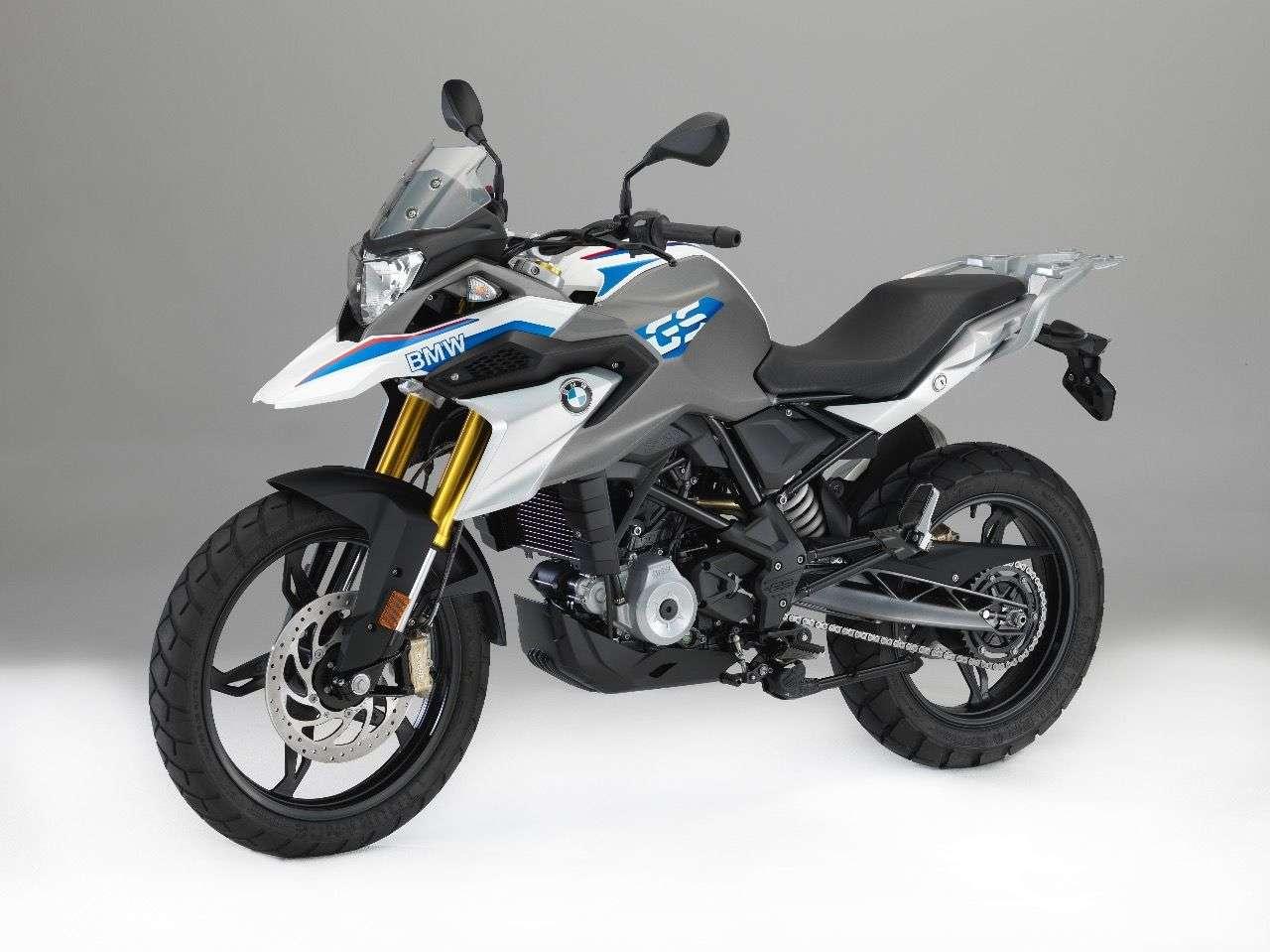 ... man für Weiß/Grau mit den BMW Motorsport-Farben einen kleinen Extra-Obolus entrichten muss.