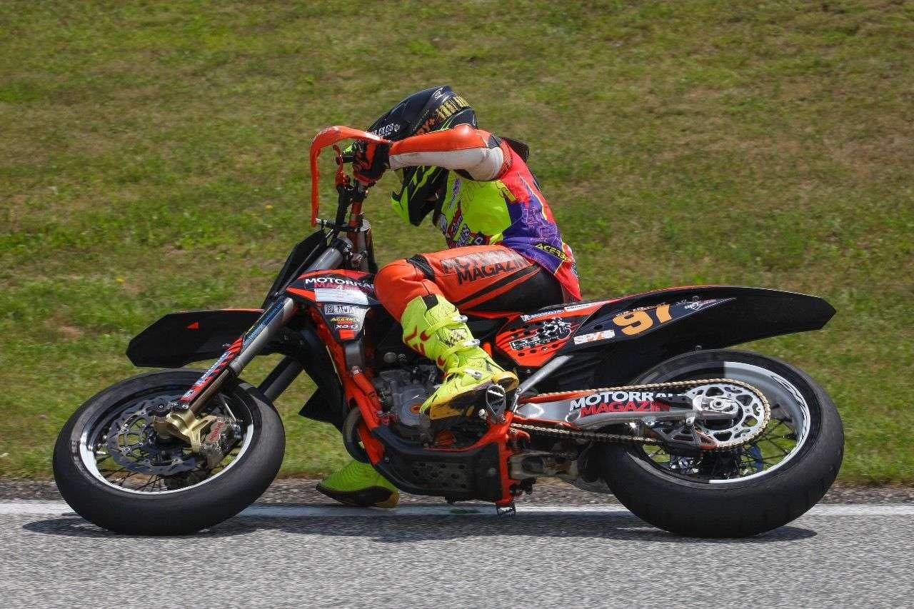 Motorradmagazin-Teampilotin Kimi Adlhart – kann sie in Schwanenstadt die Meisterschaftsführung ausbauen?