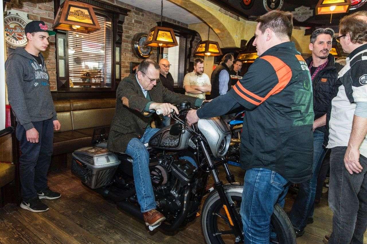 Motorradmagazin-Kolumnist Zonko überlässt nichts dem Zufall. Gemeint ist natürlich die Bekleidung.