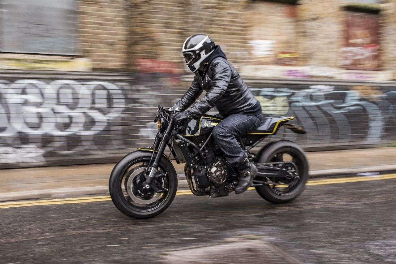 """Yamaha XSR700, umgebaut von den Taiwanesischen Custom-Spezialisten Rough Crafts. Doch es steckt noch mehr dahinter als """"nur"""" ein Café Racer."""
