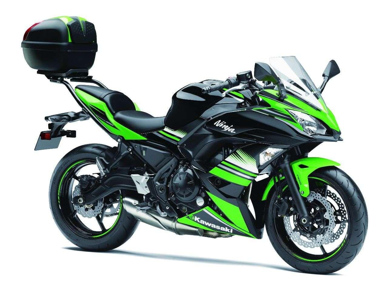Kawasaki Ninja 650 mit optionalem 30-Liter-Topcase ...