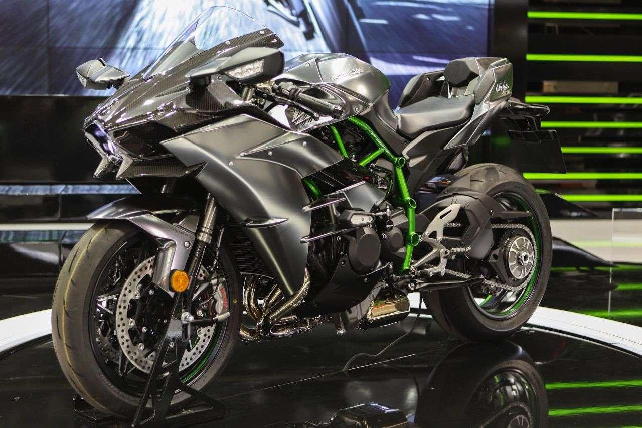 Kawasaki H2 Carbon.