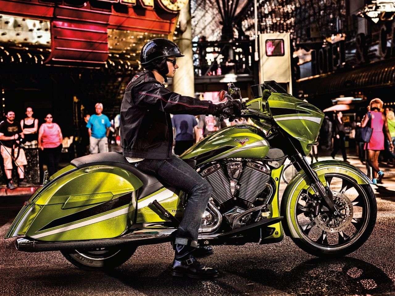 Imposante Bikes waren das! Hier die Victory Magnum Bagger aus 2014.