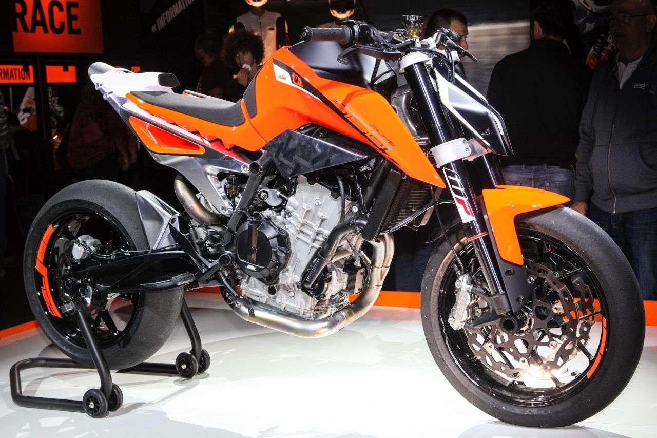 KTM 790 Duke als Prototyp: Ganz so radikal wird das Serienbike wohl nicht werden, vor allem das Heck soll deutlich ziviler ausfallen. Foto © Schönlaub