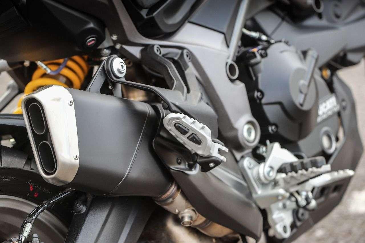 Multistrada 950: Auspuff und Zweiarmschwinge kennt man von der MTS 1200 Enduro