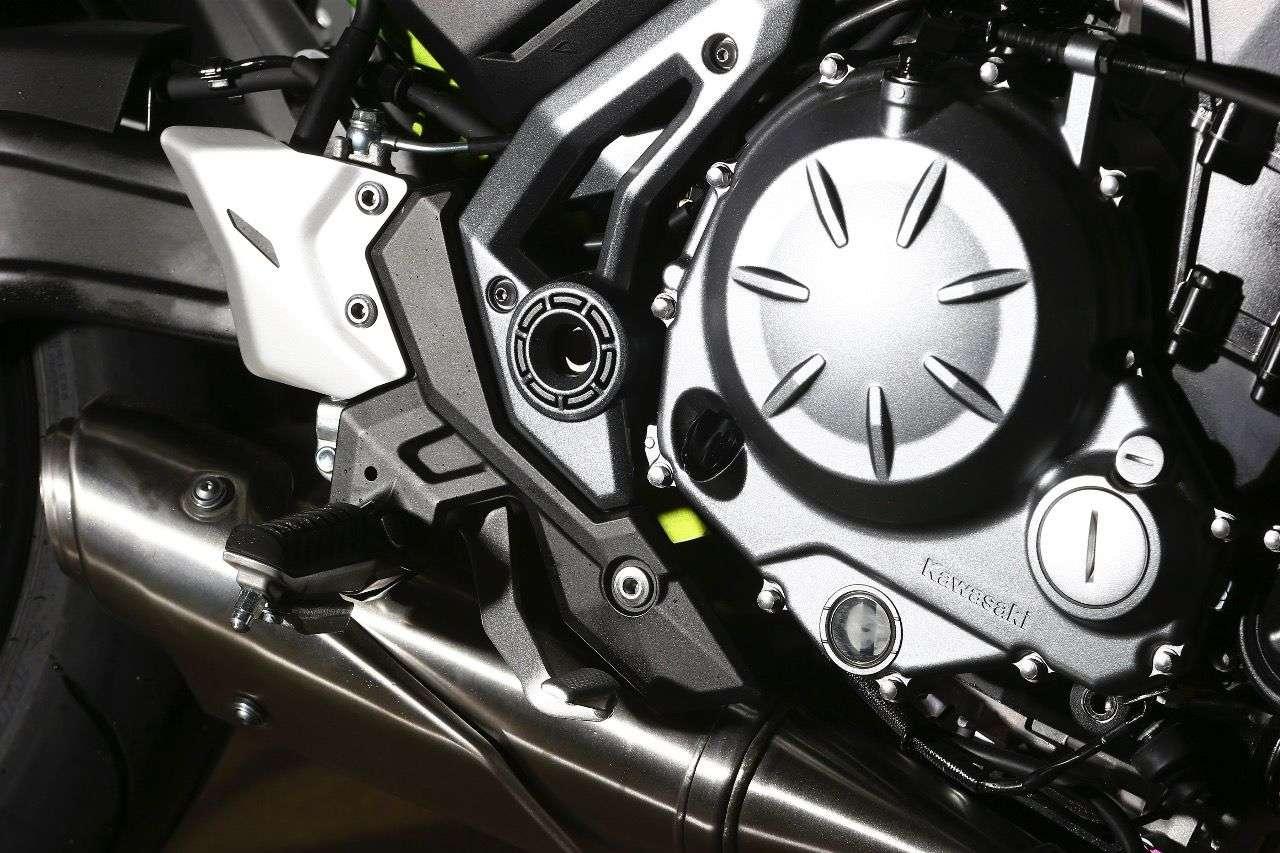 Kawasaki Z650: Der bekannte Zweizylinder aus der ER-6 wurde nicht nur für Euro 4 adaptiert und geschmeidiger abgestimmt, sondern auch deutlich hübscher – dank edler Abdeckungen.