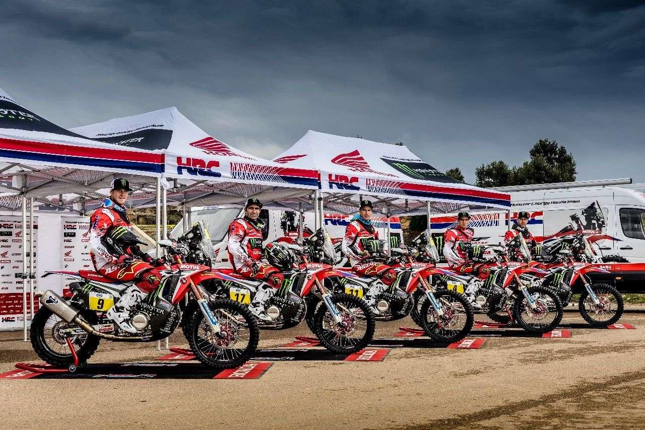 Honda Dakar 2017: Die nun Monster Energy Honda Team genannte Equipe mit den fünf Werkspiloten.