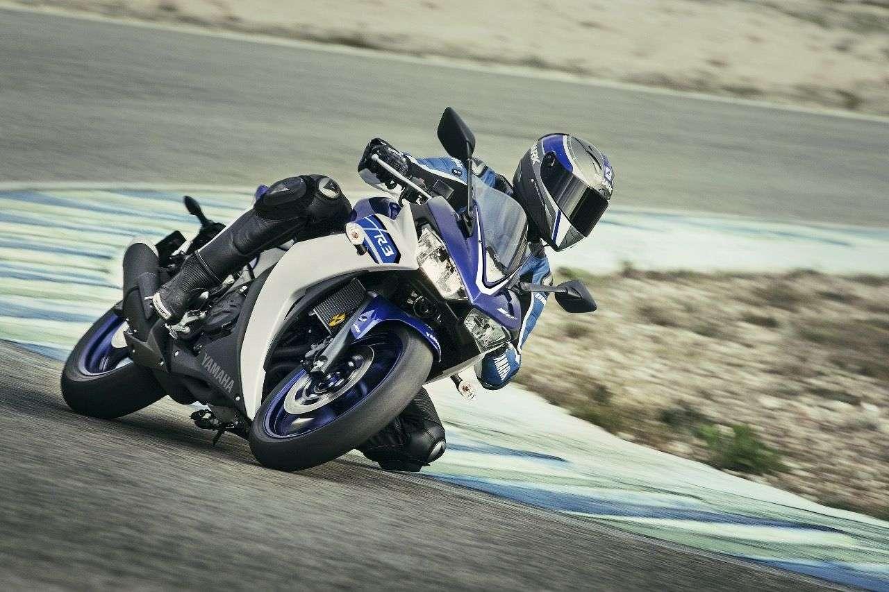 Yamaha YZF-R3 gegen ...