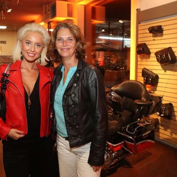 Ivette Wiesmayr mit Musicalstar Maya Hakvoort
