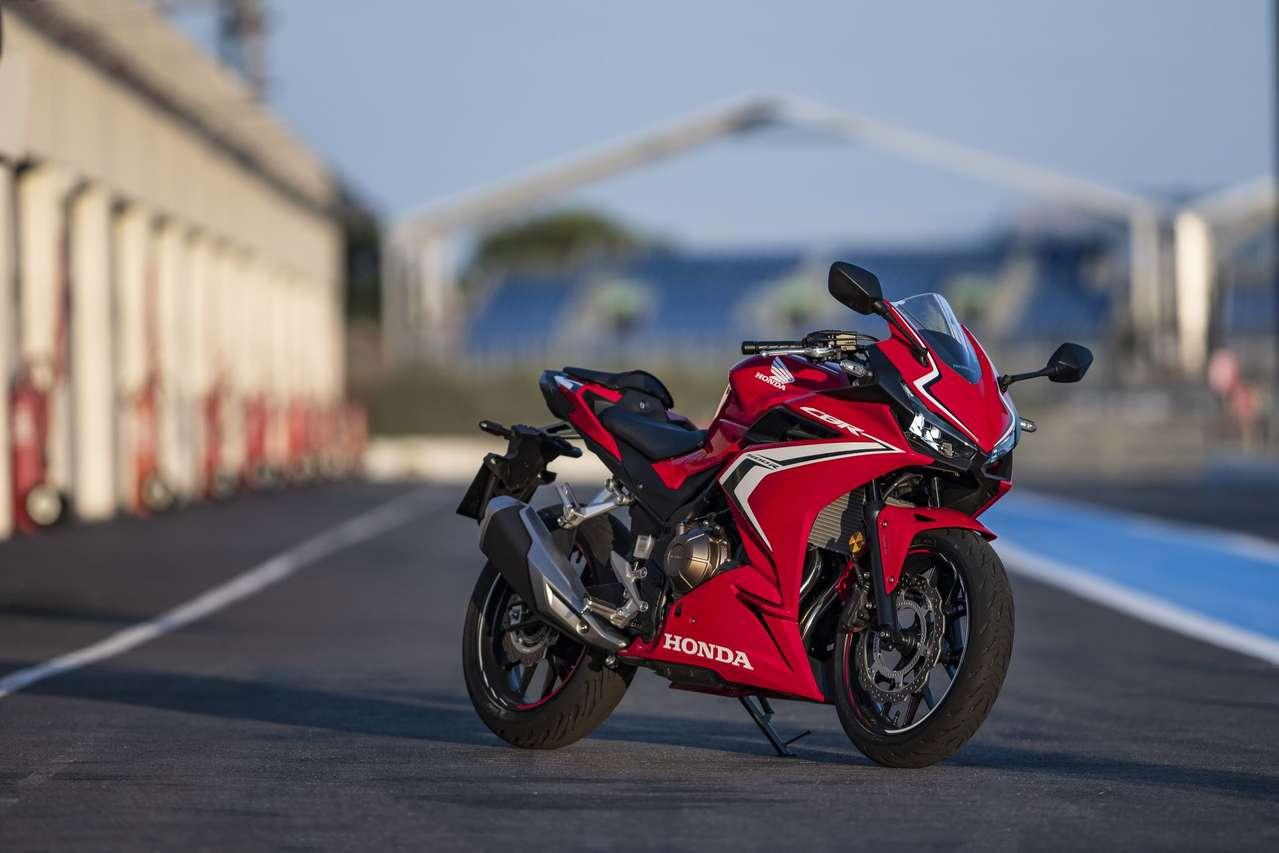 Neu 2019: Die Honda CBR650R mit aggressiverem Design und schärferer Geometrie.