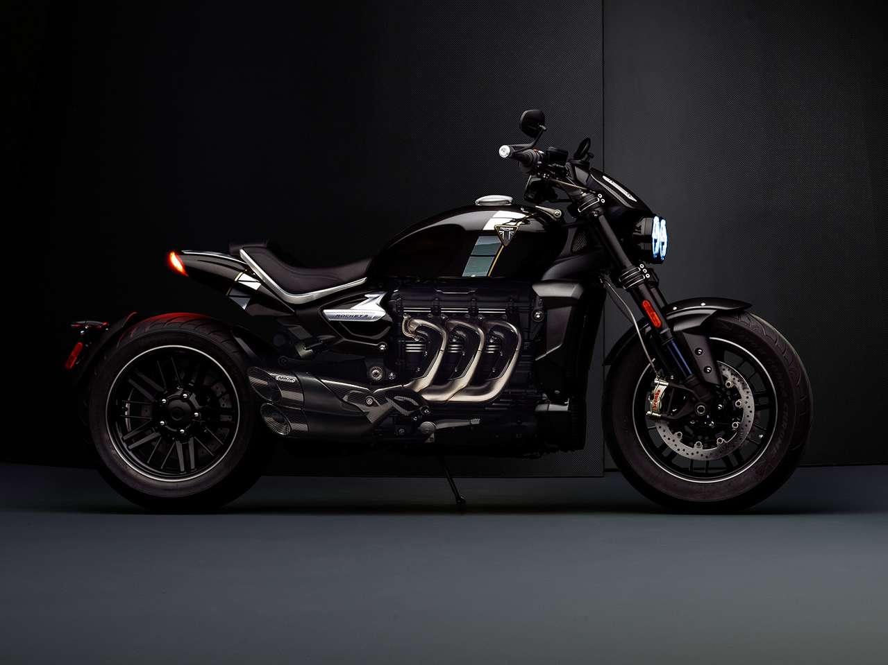 Konkurrenz für Ducatis Diavel und die bösen Cruiser von Harley (Fat Bob, FXDR): die neue Triumph Rocket TFC.