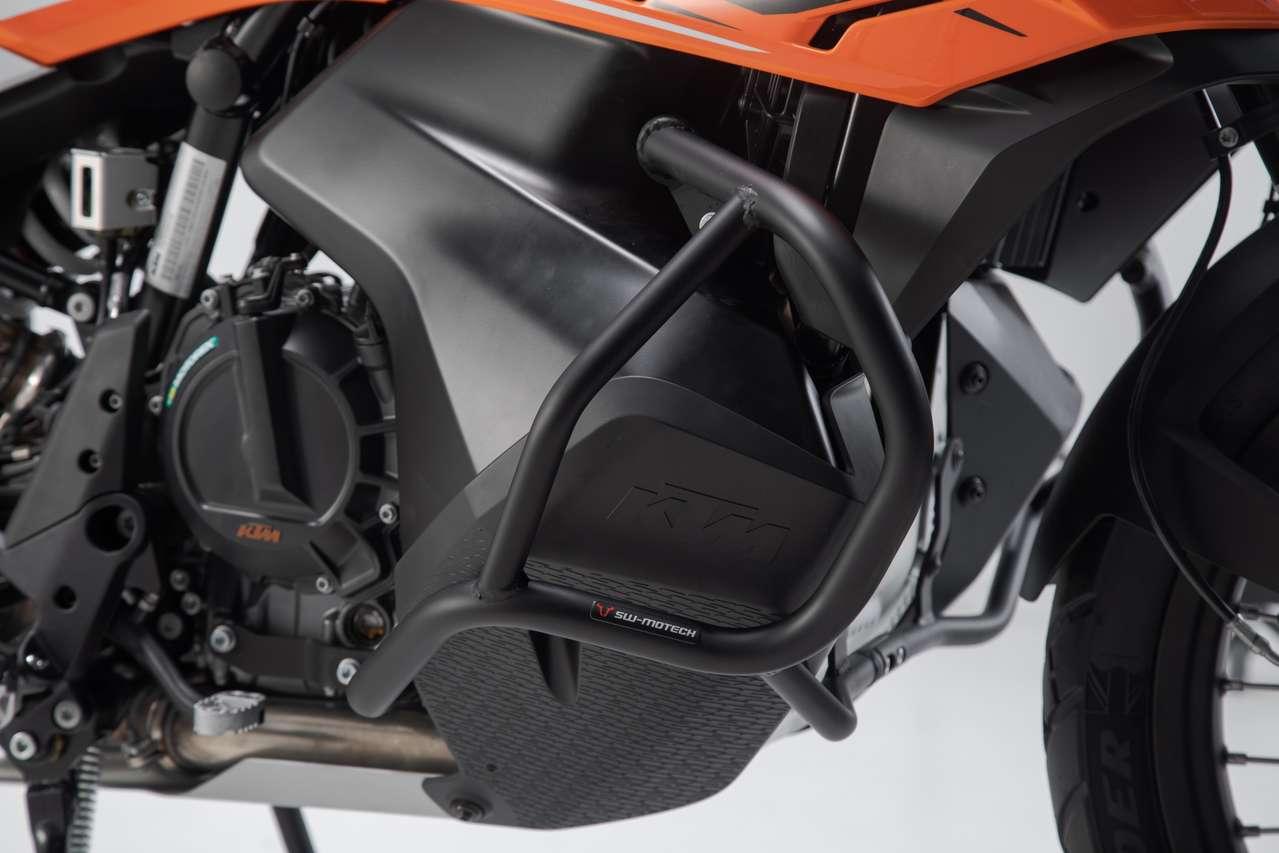 Sturzbügel als Sicherung für das tief angebrachte Spritvolumen der KTM 790 Adventure.