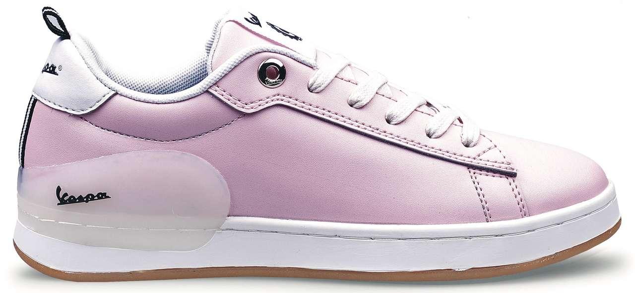 Das Modell Freccia gibt es in Leder (Pink, Aqua, Weiß) um 99,90 Euro oder ...