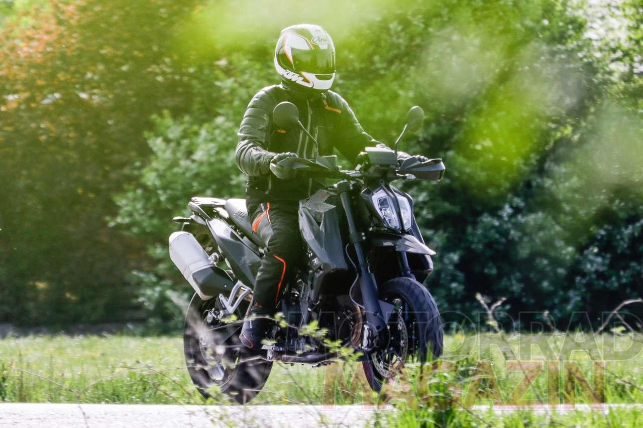 KTM_790_SMC_003_MotorradmagazinAT.jpg