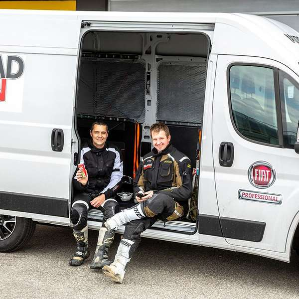 Die Testfahrer Roland Schuch und Andreas Halsmayer.