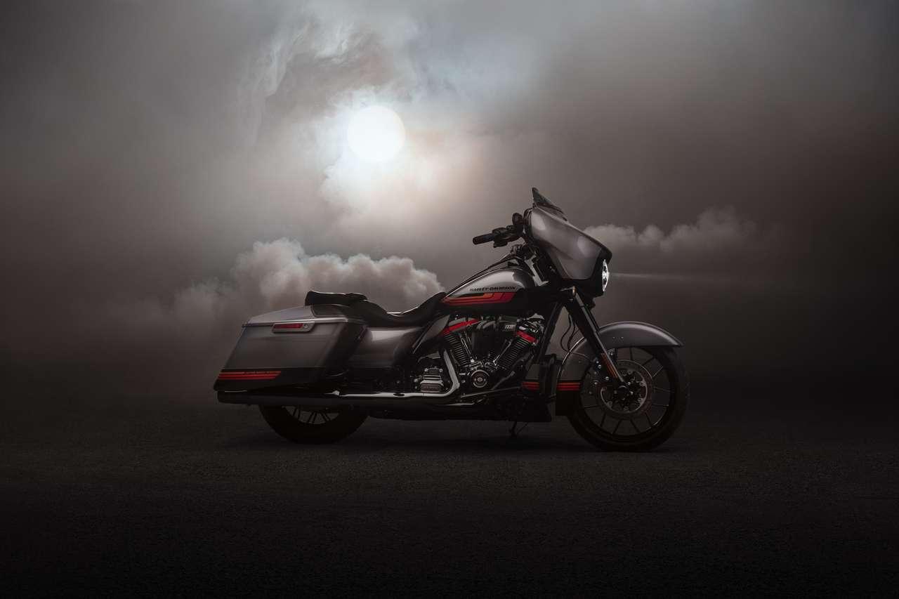 Ab sofort mit modernem Hightech-Assistenzpaket: die neue Harley CVO Street Glide Modelljahr 2020.