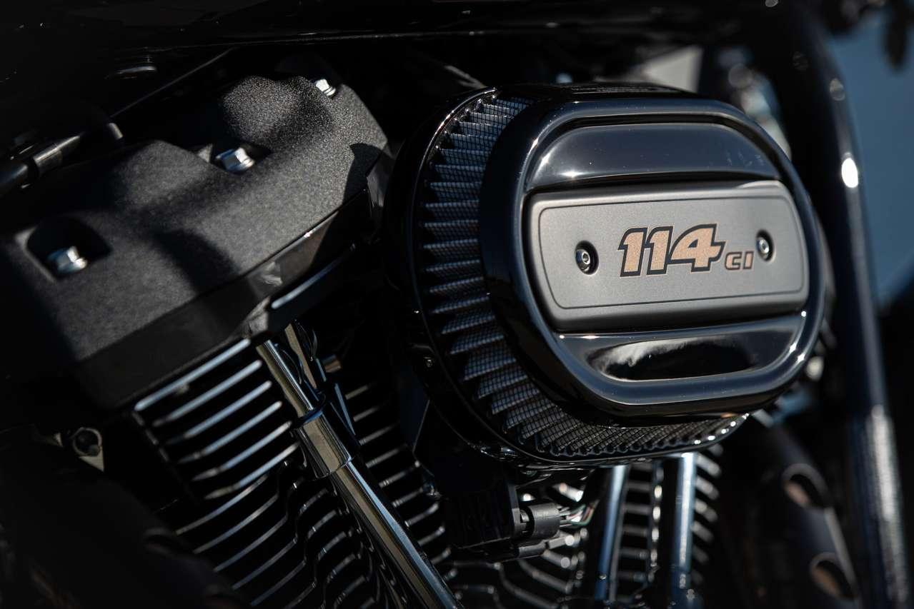 Die Low Rider S ist aktuell die günstigste Möglichkeit...