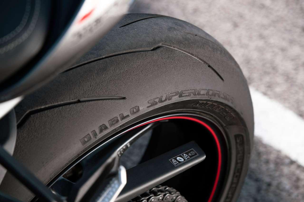 Serienbereifung Pirelli Diablo Supercorsa SP