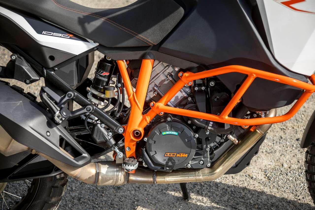 Typisch oranger Gitterrohrrahmen