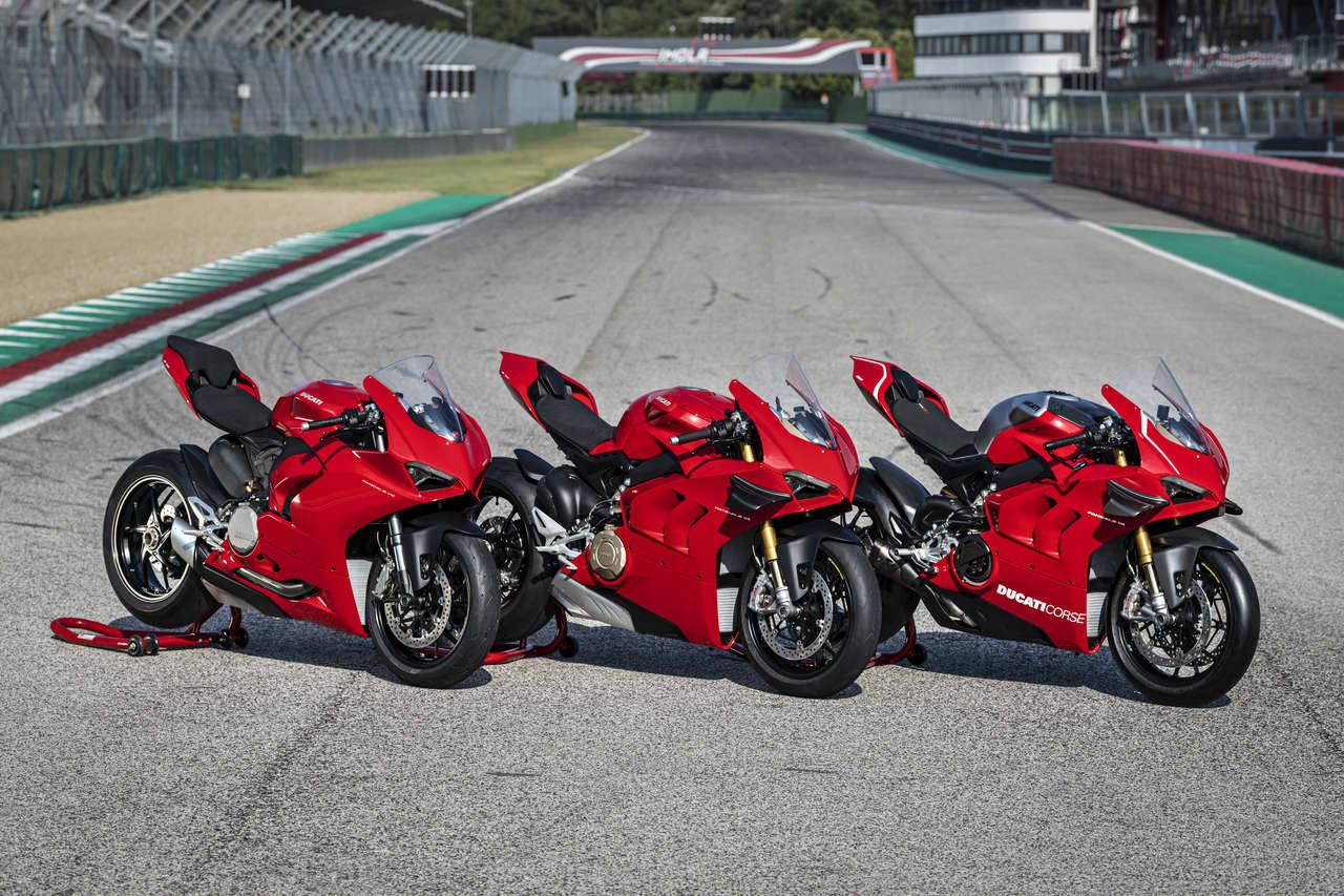 Ducatis Supersport-Familie des Jahrgangs 2020: Panigale V2, Panigale V4 und Panigale V4R (von links).