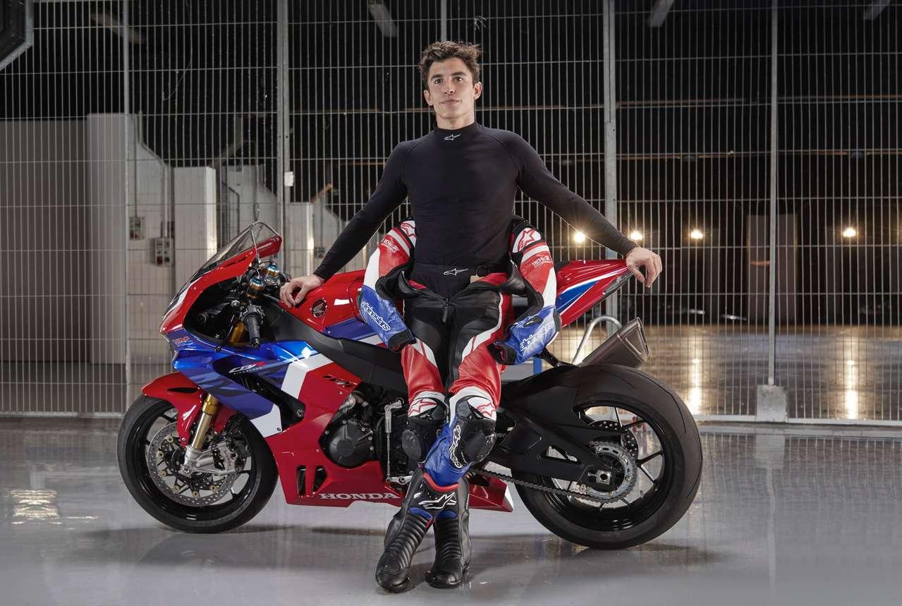 MotoGP-Weltmeister Marc Marquez mit der CB1000RR-R Fireblade SP 2020