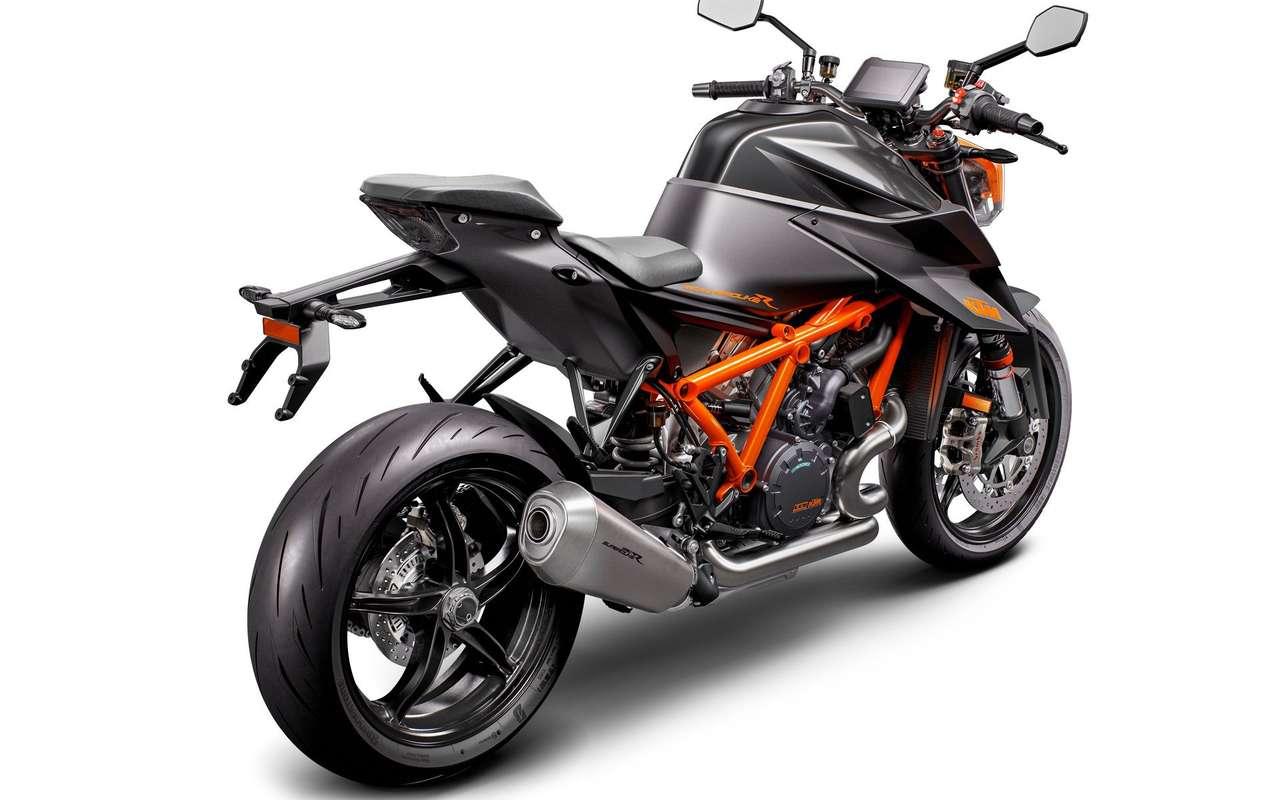 KTM_1290_SUPER_DUKE_R_MY20__Black__rearleft.jpg