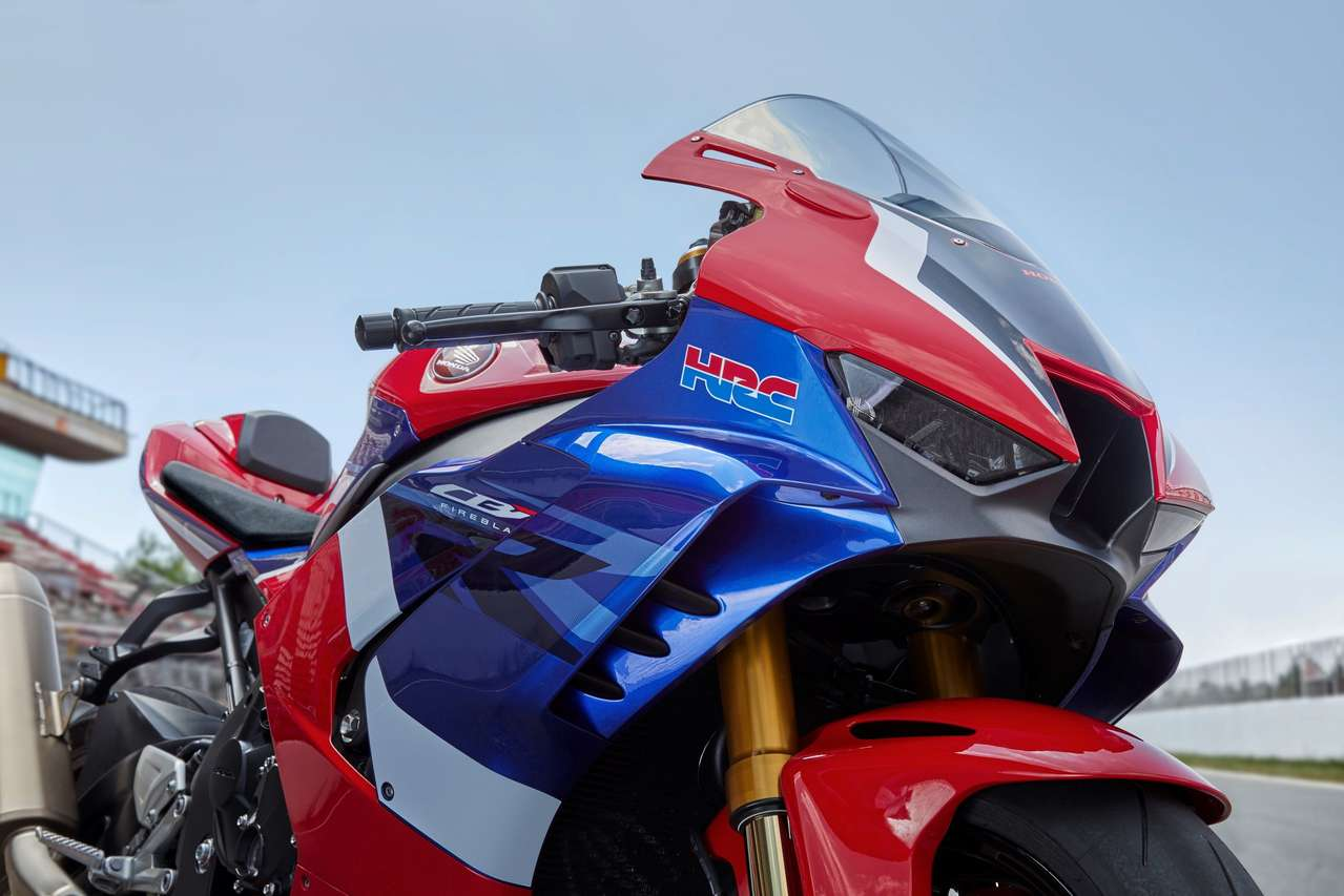 Die Winglets sollen Abtrieb wie die Moto-GP-Honda 2018 erzeugen.