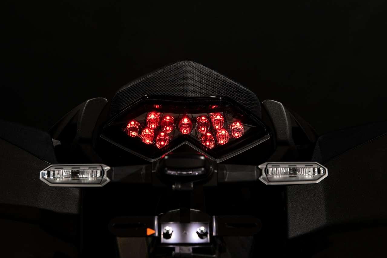 neue LED-Komplettlichtanlage