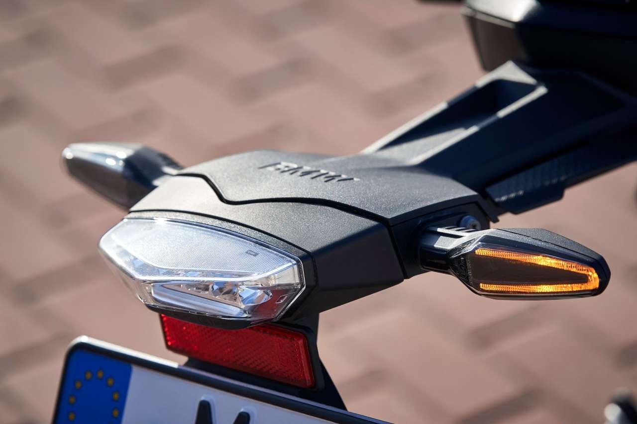 LED-Komplettlichtanlage und abgespeckter Kennzeichenhalter