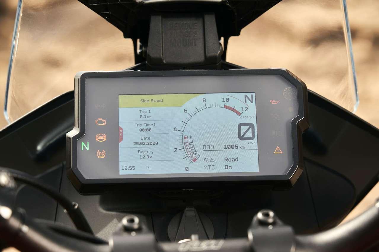 Das farbenfrohe TFT-Display kennt man bereits von anderen KTMs - in dieser Preisklasse bei der Konkurrenz selten zu finden.