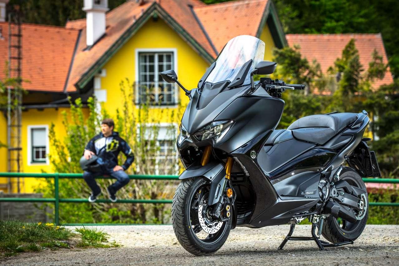 In vollem Ornat kostet die Edelversion des neuen 560ers in Österreich 14.599 Euro.